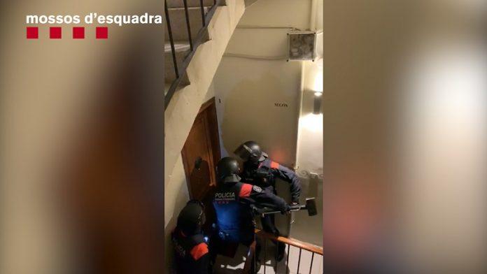 Mossos desarticula organización dedicada a robos con violencia en viviendas