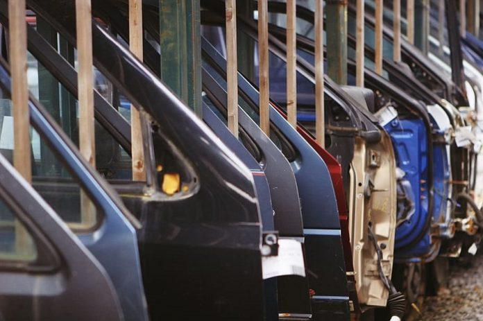 La industria española se reconvierte por el COVID-19