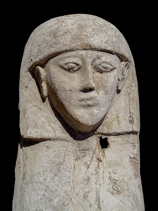Científicos españoles hayan el ataúd y la momia de una joven que vivió hace 3.600 años