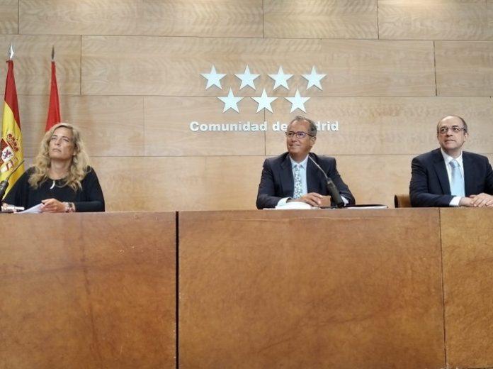 Madrid plantea compaginar enseñanza presencial y online en ESO y Bachillerato