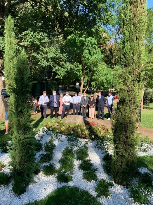 Cáceres inaugura el Jardín de la Memoria en recuerdo de los fallecidos por el covid-19