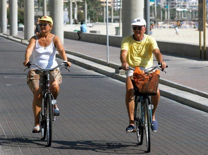 Reino Unido elimina la cuarentena para sus turistas al volver de España