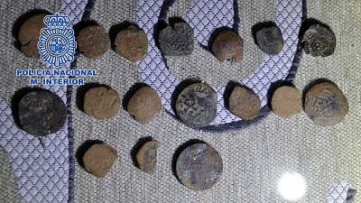 Recuperan 229 piezas expoliadas de yacimientos arqueológicos de Badajoz