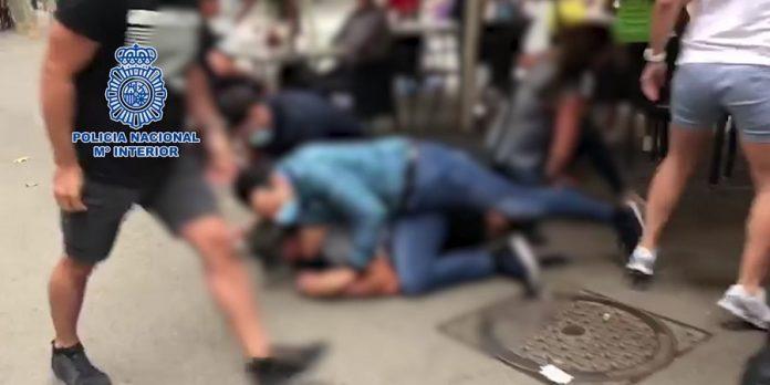 Detenido en Barcelona un fugitivo buscado por tentativa de homicidio