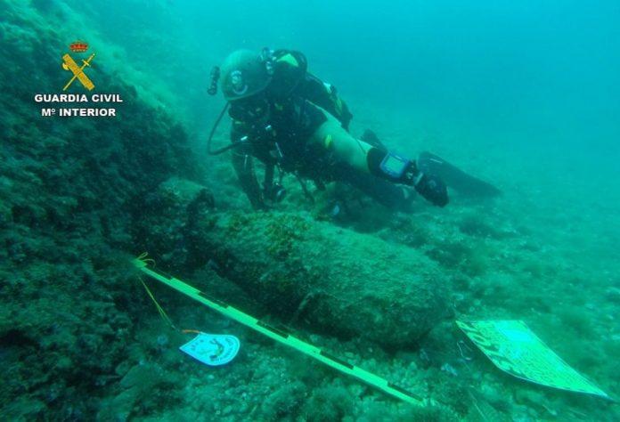 Localizan dos artefactos explosivos en aguas de Mallorca y Menorca