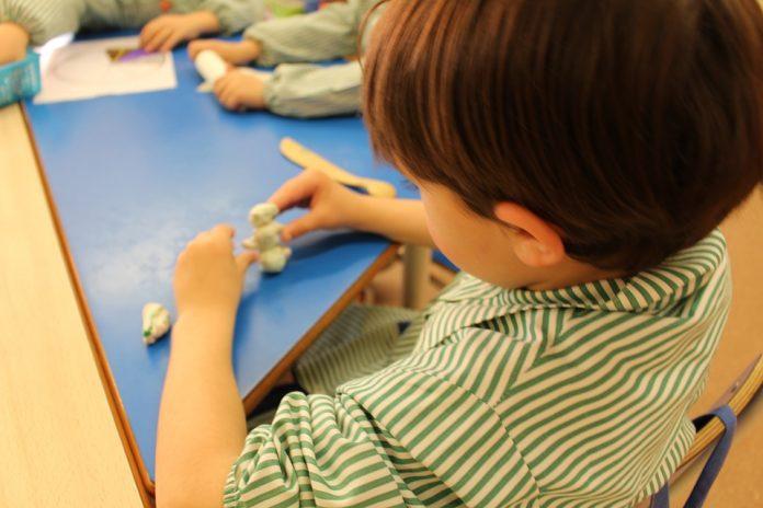 La UNED ofrece atención psicológica gratuita y online para niños y adolescentes