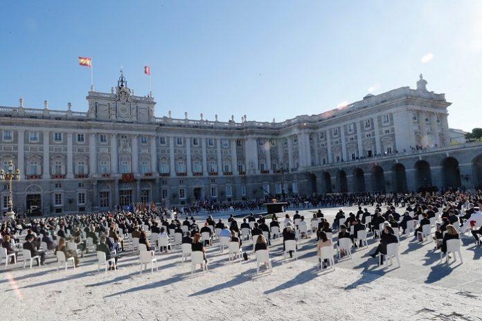 España rinde un sentido homenaje de Estado a las víctimas de la pandemia