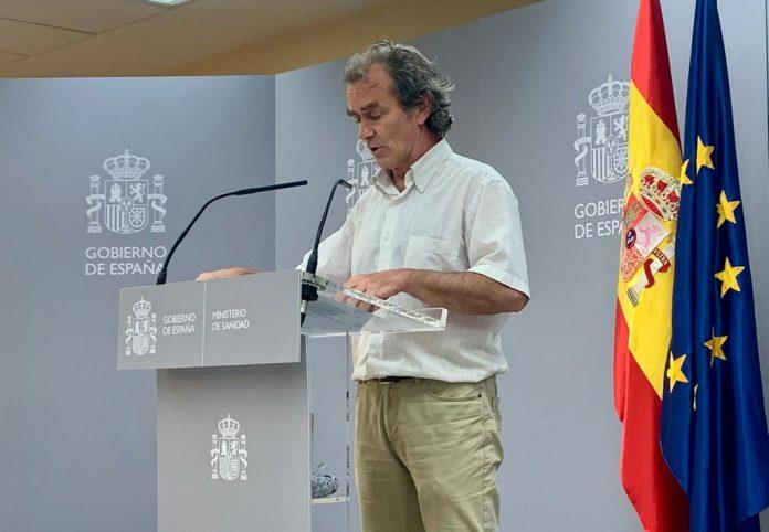 Simón llama a los influencers españoles a ayudar a controlar la epidemia