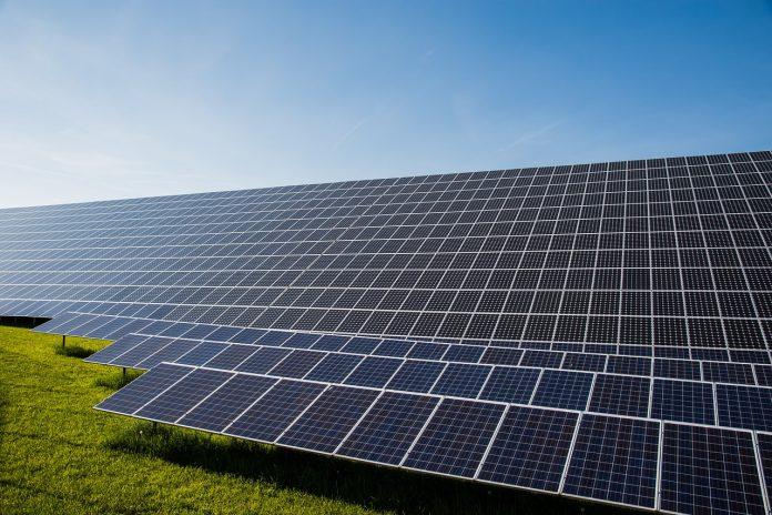Cáceres construye seis nuevas plantas solares fotovoltaicas
